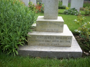 Fred Benlow's headstone
